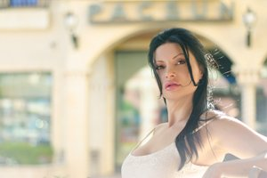 Artsy and dream like photoshoot with Stephanie by Black Door Media